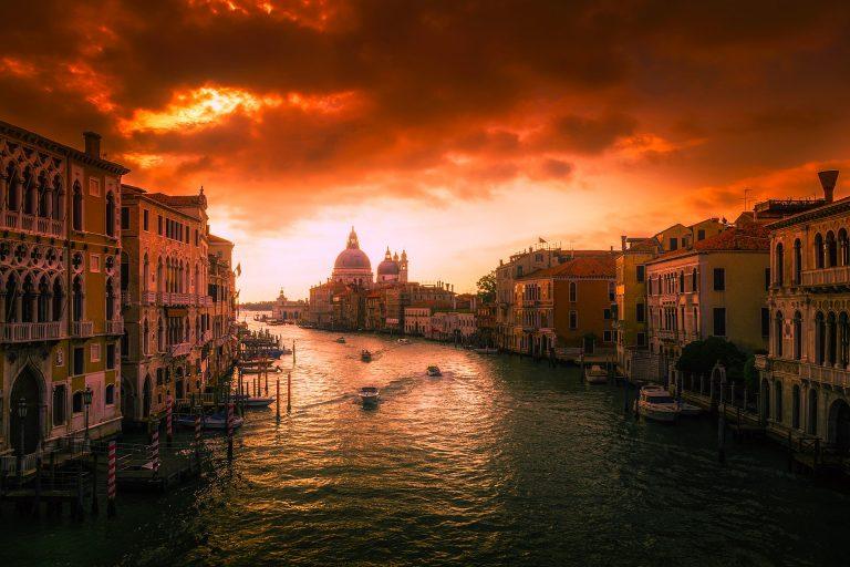 Całkowite znurzenie włoski